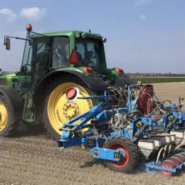 Uien zaaien 1,50 met granuleren en flextoediening 2019
